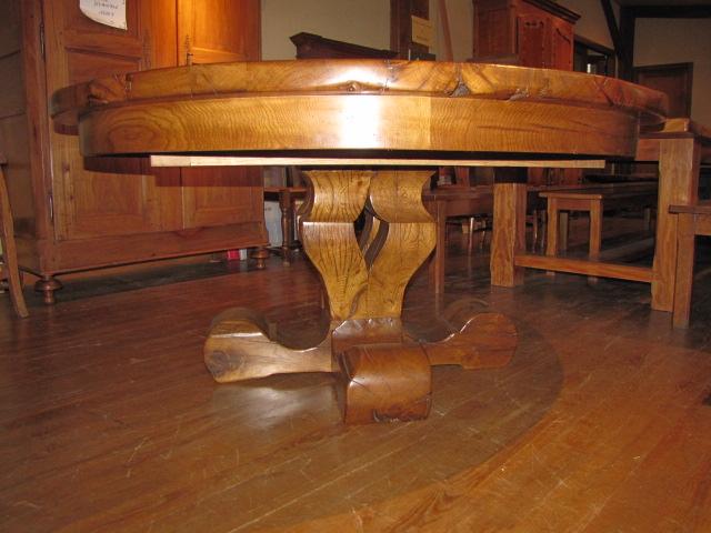 60 Table ronde en vieux chêne à rallonges