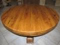 66 Table ronde  en vieux bois de chêne